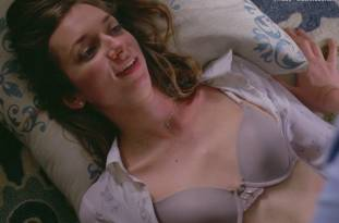 lauren lapkus topless in crashing 2295 2