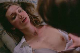 lauren lapkus topless in crashing 2295 4