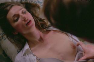 lauren lapkus topless in crashing 2295 5