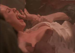 leslie cumming topless breasts unleashed in witchery 1771 20
