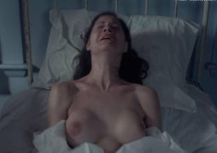 leslie cumming topless breasts unleashed in witchery 1771 24