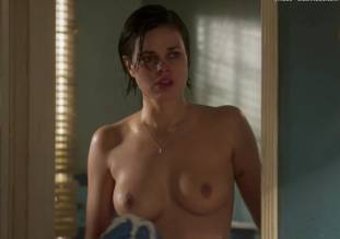 lina esco topless in a towel in kingdom 8889 14
