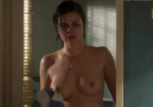 lina esco topless in a towel in kingdom 8889 8