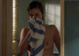 lina esco topless in a towel in kingdom 8889 9