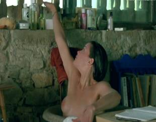 liv tyler topless in stealing beauty 9586 2