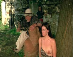 liv tyler topless in stealing beauty 9586 8
