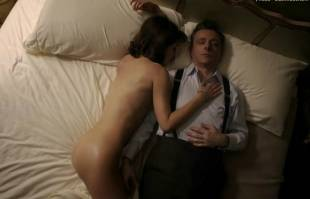 lizzy caplan nude in bed on masters of sex 8422 4