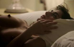 lizzy caplan nude in bed on masters of sex 8422 6