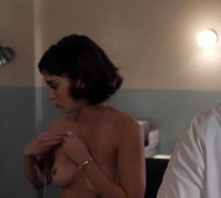 lizzy caplan topless to be monitored on masters of sex 6487 4