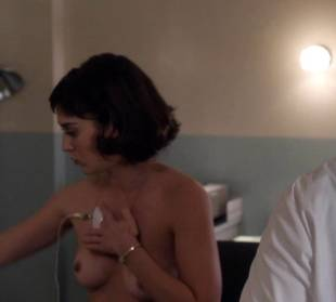 lizzy caplan topless to be monitored on masters of sex 6487 5