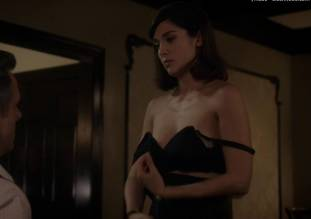 lizzy caplan topless to make you beg on masters of sex 0985 2