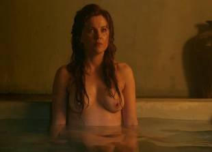 lucy lawless and viva bianca topless in the bath on spartacus 9639 1