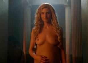 lucy lawless and viva bianca topless in the bath on spartacus 9639 6