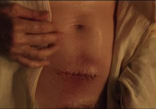 lucy lawless naked to show her breasts on spartacus vengeance 7686 10