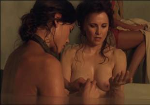 lucy lawless naked to show her breasts on spartacus vengeance 7686 3