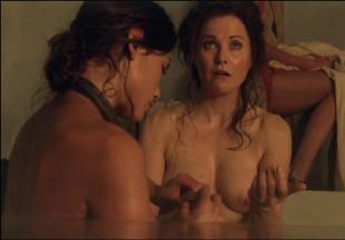 lucy lawless naked to show her breasts on spartacus vengeance 7686 6