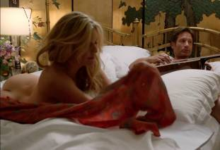 maggie grace ass bared in pillow talk on californication 9780 16