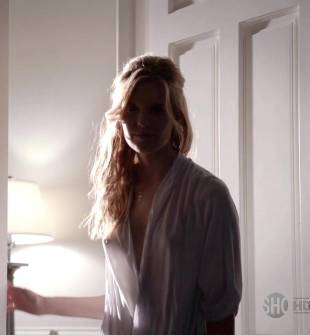 maggie grace breasts peek out on californication 5886 5