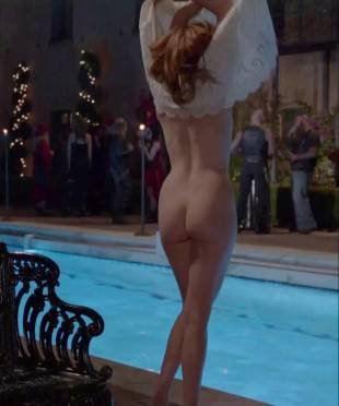maggie grace nude ass bared for dip in pool on californication 5431 4