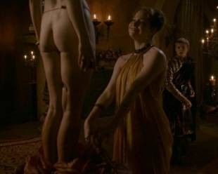 maisie dee nude to get spanked on thrones 5902 2