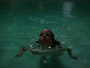mary louise parker nude for a pool swim on weeds 8693 15