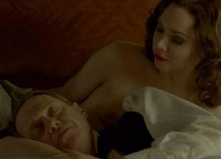 meg chambers steedle topless in bed on boardwalk empire 3372 14