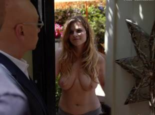 meghan falcone topless breasts unleashed on californication 8259 1