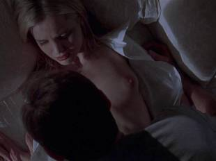 mena suvari topless for her first time in american beauty 6855 12