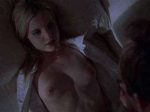 mena suvari topless for her first time in american beauty 6855 4