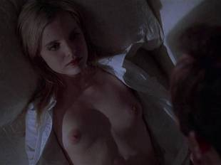mena suvari topless for her first time in american beauty 6855 5
