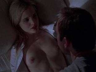 mena suvari topless for her first time in american beauty 6855 7