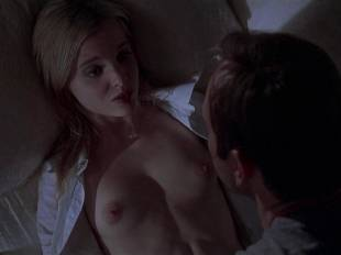 mena suvari topless for her first time in american beauty 6855 8