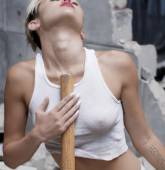 miley cyrus nude to bottom in wrecking ball music video 8357 12