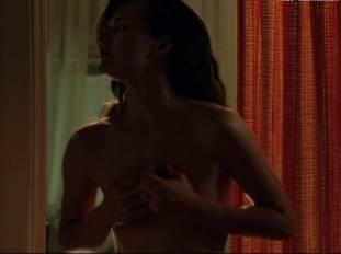 milla jovovich nude in stone 7754 14