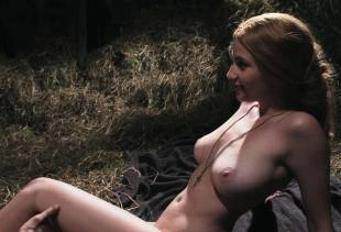 miriam giovanelli nude for barn sex scene in dracula 0243 1