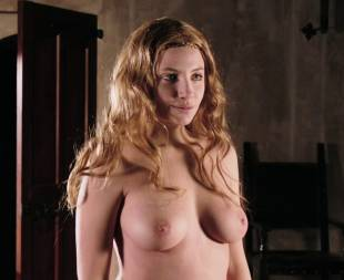 miriam giovanelli topless breasts will make you like her in dracula 3186 15