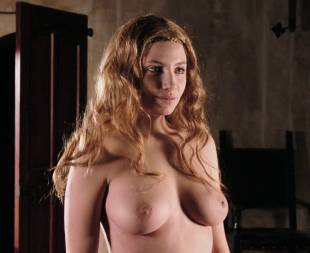 miriam giovanelli topless breasts will make you like her in dracula 3186 16