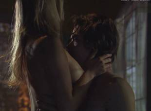 miriam mcdonald topless in poison ivy 4 2537 12