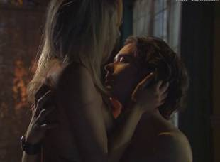 miriam mcdonald topless in poison ivy 4 2537 13