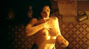 monica bellucci nude top to bottom in malena 9240 12