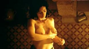 monica bellucci nude top to bottom in malena 9240 14