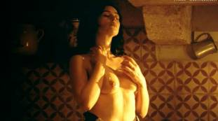 monica bellucci nude top to bottom in malena 9240 17