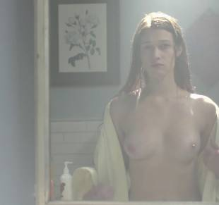 nicole fox topless in the bathroom mirror in ashley 2079 10