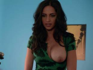 nishi munshi topless to offer juice on californication 6427 13