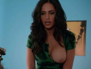 nishi munshi topless to offer juice on californication 6427 15