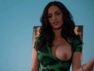 nishi munshi topless to offer juice on californication 6427 8