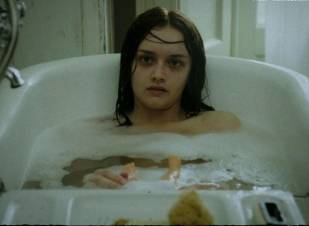 olivia cooke topless in bathtub in the quiet ones 9702 3