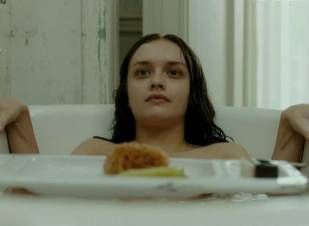 olivia cooke topless in bathtub in the quiet ones 9702 7