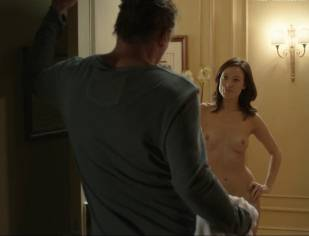 olivia wilde nude to run in the halls in third person 4660 19