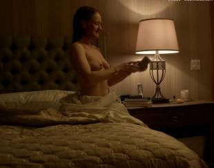paula malcomson topless for selfie on ray donovan 4140 10